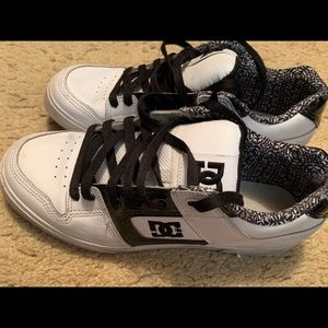 Women's DC sneakers with black sparkle detail
